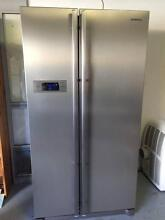 600L Samsung Side By Side Fridge / Freezer Silver  - Great cond. Springwood Logan Area Preview