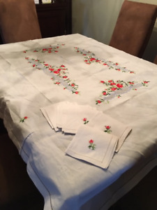 """Linen Embroidered Tablecloth 54"""" x 98"""" with 8 matching napkins"""