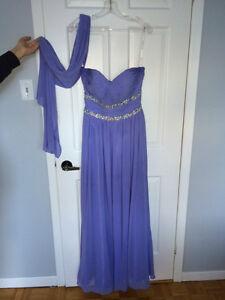 Lilac Dress - Size 10 / Robe Grandeur 10