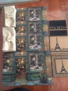 Ensemble de table  NEUF- Scènes de Paris