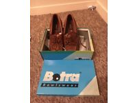 Botra Men's brown bowling shoes size 8 1/2. Never worn