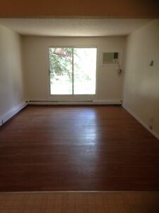 Bright 2 Bedroom apartment for $865.00