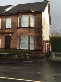 Cardonald 4 bedroom house, Barfillan Drive Ideal for families, professional/ students £1450.00