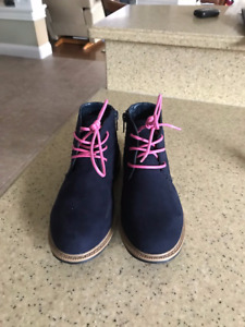 Girls Fall Boots Size 2