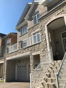 5 bed room 4 years old detached house in McCowan Rd and Bur Oak