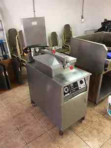 Henny Penny PFG 500 electric pressure fryers   (2 units) Windsor Region Ontario image 1