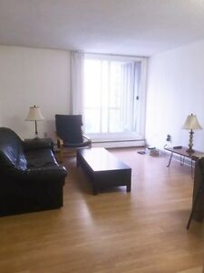 Furnished room in Downtown condo - WalkScore 96 - Utilities Incl