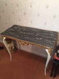 MARBLE EFFECT DECORATIVE TABLE