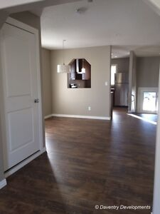 2 bedroom 1 office townhouse Wainwright avail June 1