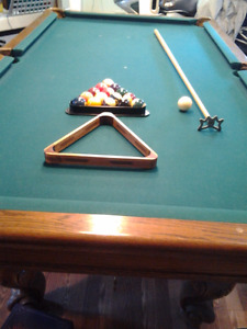 Regence Billard Billiards & Bowling Pool Table
