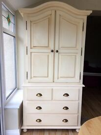 Gorgeous Kidsmill Provence Nursery Furniture - Antique Cream