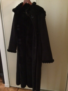 Women's Winter Coat For Sale (new- must see!)