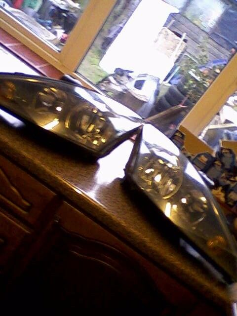 FORD FOCUS ST 170 HEADLIGHTS (GENUINE FORD)