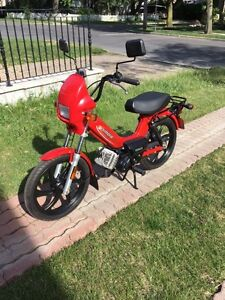MOPED TOMOS (2009) LIKE NEW