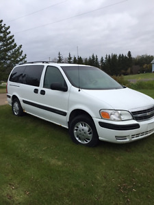 REDUCED 2002 Chevrolet Venture Minivan, FOR PARTS, still runs