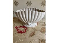 Art Deco Sylvac Vase, Cream Ceramic Clam Shell