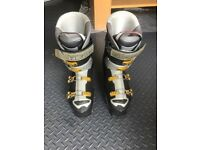 Head World Cup RS80 ski boots size 9