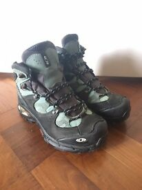 Salomon Walking Boots. Size 6. **As Good as NEW**