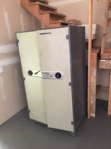 Large 2 door safe
