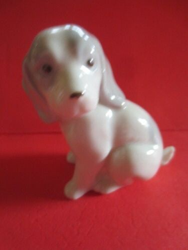 vintage beagle puppy dog porcelain miniature figurine ec