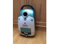 VACUUM CLEANER BY HOOVER - PETS