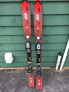 Kids skis with binding