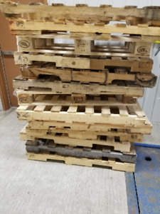FREE PALLETS (PICK UP ONLY)