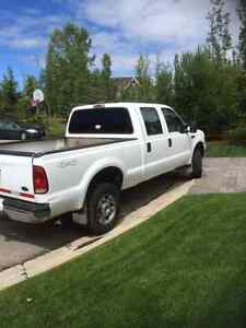 2007 Ford F-250 XLT Crew Cab 3/4 ton 6.5 box and 5.6 L