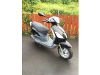 2013 Vespa Piaggio Fly 125cc (Black) only 4,000 miles