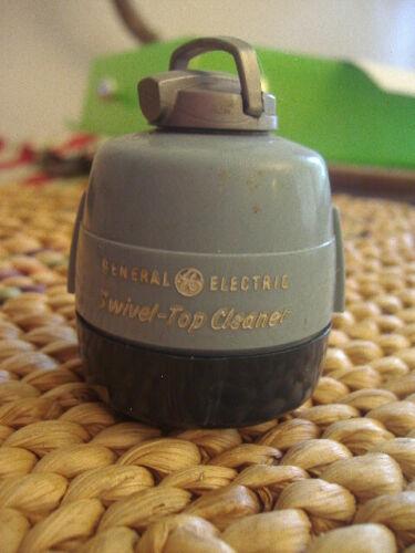 1951 General Electric Swivel-Top Cleaner Advertising Sewing Kit~Inside Goodies