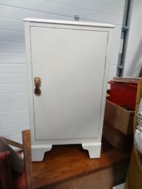 Lebus Furniture small bedside cupboard with shelf