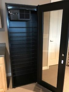 Refrigerated Wine Cooler Cabinet
