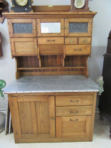 Antique cabinet kijiji free classifieds in ontario for Kitchen cabinets kijiji
