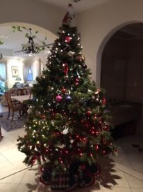 Stunning almost 3m artificial christmas tree, can vary length by leaving out a section or two