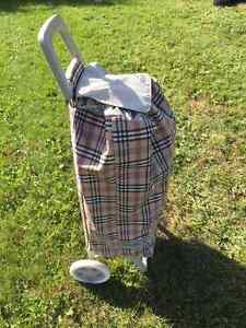 NEVER USED- NEW ROLSER shopping trolley Utility Cart West Island Greater Montréal image 2