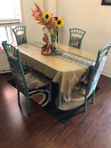 Resizable Dining Table with 4 Chairs - $55