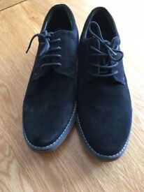 BOYS M&S Navy Suede Derby Shoe Size 5 EXCELLENT CONDITION