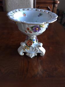 "Dresden handpainted vase in very nice condition. H=8"", D=8 1/4"""