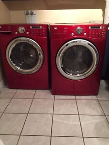 LG TROMM WASHER/DRYER RED LAVEUSE/SECHEUSE ROUGE  $650