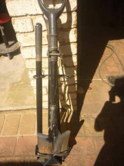 4x4 Combo Axe / Shoval with Carrier Frame Toongabbie Parramatta Area Preview