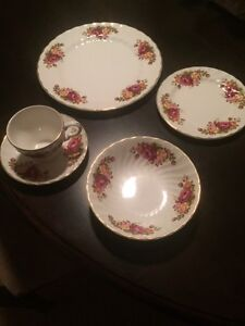 Cottage Rose-Wood & Sons England Set