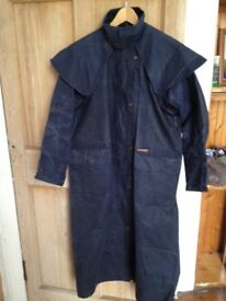 Drizabone full-length Riding Coat, waxed cotton, dark blue, in very good condition, size 4 (S)