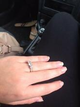 2ct 3 stone diamonds 18ct Gold engagement ring Noranda Bayswater Area Preview