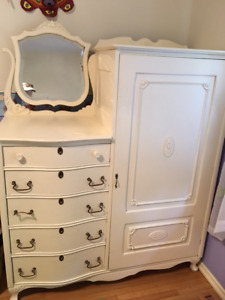 Antique children's bedroom furniture set