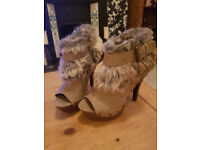 size 5 fur detailed open toe boots