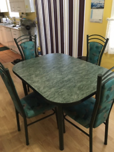 Table Et Chaise De Cuisine Kijiji In Ontario Buy Sell Save