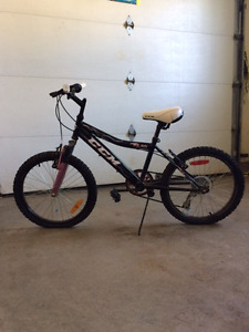 "CCM FS 2.0 Girls' 20"" Mountain Bike"