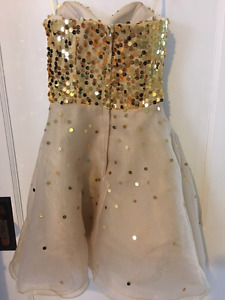 Prom dress approximately size 6
