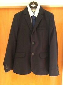 Navy suit with shirt & tie - age 10-11. Worn for only 1 day