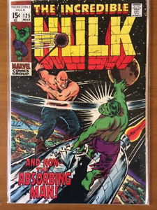 THE INCREDIBLE HULK comic book lot - 48 comic books in total.